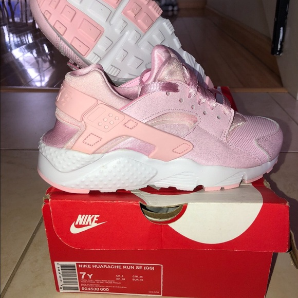 reputable site 293d1 050c2 Baby Pink Huaraches sz 7 NWT